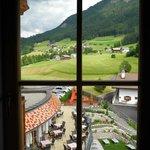 Blick aus dem Seitenfenster der Romantik-Suite