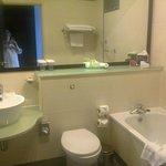 Room 331 - bathroom