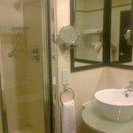 Room 331 - shower