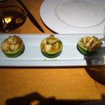 Ceviche de zamburiñas sobre lima