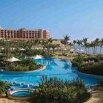 Shangri La's Barr Al Jissah Resort & Spa