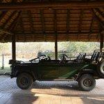 les deux jeeps du Lodge