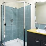 Australis Hotel Noosa Lakes Studio Ensuite Shower