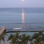 Moon over Waikiki from my balcony (pre-dawn)