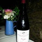 le vin rouge qui accompagne le repas