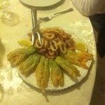 Fiori di zucca in tempura e anelli di totano