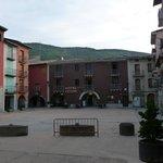 plein voor het hotel