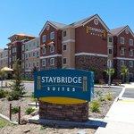 Driveway to Staybridge Suites