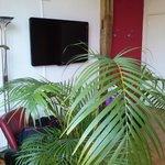 Großer LCD-TV in der Suite