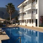 sea view rooms and a superbly located (and warm) pool for evening sun...