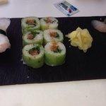 Très bon Sushi ! Explosion de saveur :)  beaucoup de finesse et d'originalité.    Sur place