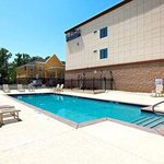 Photo de Baymont Inn & Suites Savannah South