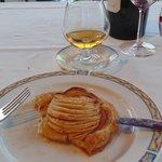Tarte au pommes (with obligatory Calvados)