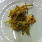 fritturina di calamari con zucchine in pastella e maionese di pomodoro