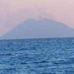 vulcano stronboli visto dall'Aurum