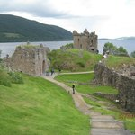 Jacobite Cruise Loch Ness-Urquhart Castle