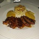 Magret de canard, pdt gratinées et légumes du jour