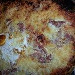 Pizza reine avec oeuf brulé