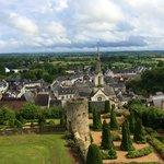 La ville de Luynes vue des jardins du château
