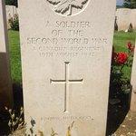 Canadian WW2 cemetery, Dieppe