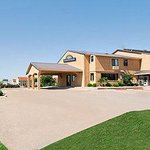 Welcome to the Days Inn Corsicana TX