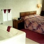 Jacuzzi Suite - King Bed