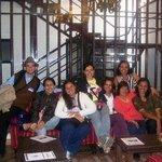 Na sala de espera do Hotel com os amigos e um chazinho de coca!