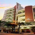 Welcome to the Howard Johnson Hotel Versalles Barranquilla
