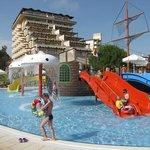 Bellis Hotel depuis l'aquapark pour les jeunes....