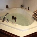 Suite Jetted Tub