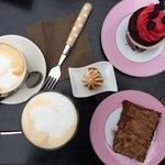 Brownie and Red Velvet cupcake