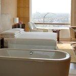 CHENN_P078 Regency Suite Bathroom