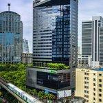 Holiday Inn Bangkok Sukhumvit  - Hotel Exterior