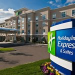 Photo de Holiday Inn Express Hotel & Suites Columbus - Easton