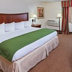 Country Inn Tulsa Central 1 King Bed