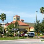 Welcome to the Howard Johnson Altamonte Springs