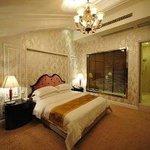 European Style Suite
