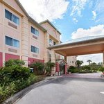 Days Inn And Suites Naples