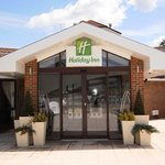 Located just 10 minutes from London Gatwick Airport