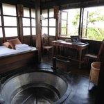 Deel van de suite, met heerlijk groot bad