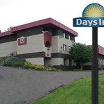 Welcome to the Days Inn Duluth Lakewalk