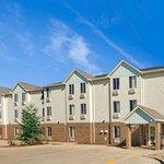 Photo of Baymont Inn & Suites - Jacksonville