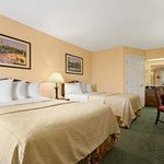 Photo de Baymont Inn & Suites Dunn