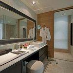 Three Bedroom Residensi SBathroom