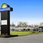 Welcome to the Days Inn Rock Falls