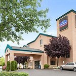 Welcome to the Howard Johnson Inn And Suites Vancouver By Vancouver Mall