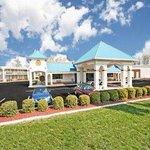 Welcome To Days Inn Greensboro East
