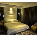 One King Bed Room