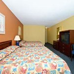 Photo of Days Inn & Suites Kalamazoo