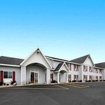 Welcome to the Baymont Inn and Suites Marinette